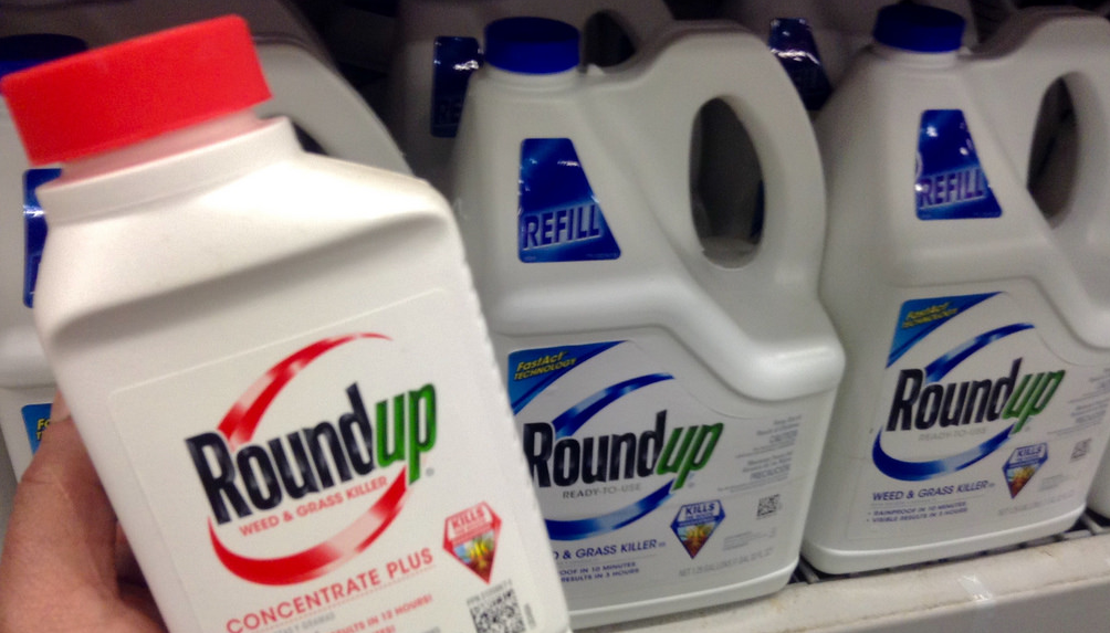 the adverse effects of glyphosate based herbicides in the environment Glyphosate in the environment  however, glyphosate-based  herbicides are always used in combination with other chemicals that  registered  for use in canada if the level of exposure does not cause any harmful effects,  including.